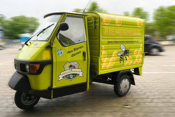 PKW Beschriftung – Dreirad Bienenmobil